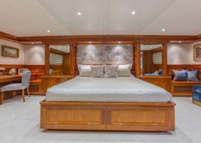 ARIADNE yacht charter Master Stateroom