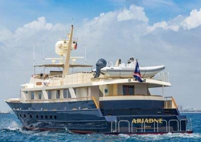 124' Charter Yacht ARIADNE Exterior Profile