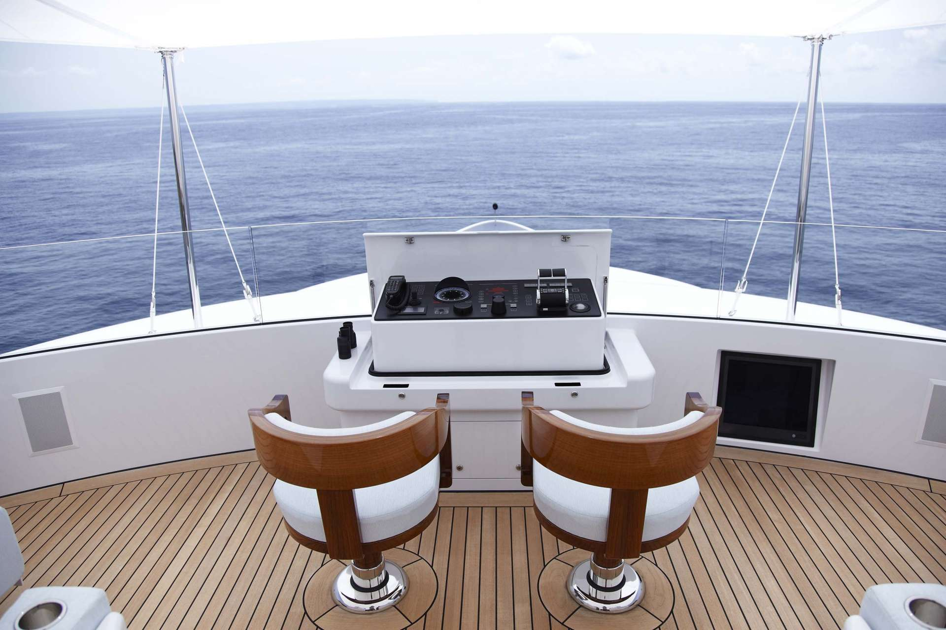 Lady+Christine_Exterior_LC_Owners_deck_02__1920