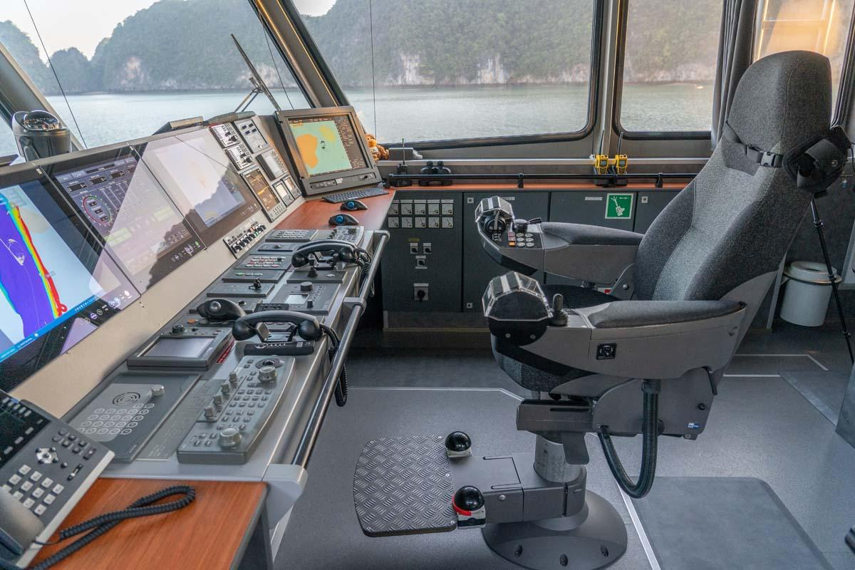 177-Damen-UMBRA-shadow-yacht-for-sale-25