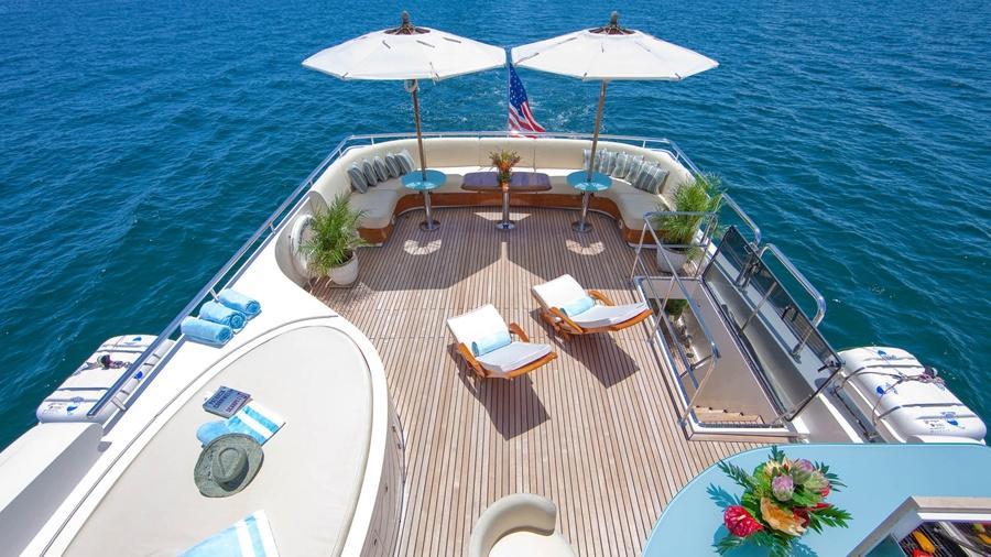 103-Johnson-LORAX-Luxury-Yacht-Charter-flybridge