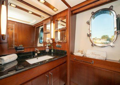 116-Azimut-Vivere-luxury-yacht-charter-10