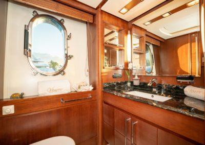 116-Azimut-Vivere-luxury-yacht-charter-14