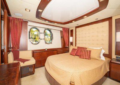116-Azimut-Vivere-luxury-yacht-charter-15