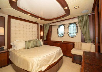 116-Azimut-Vivere-luxury-yacht-charter-20
