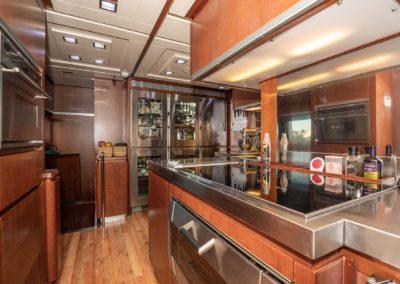 116-Azimut-Vivere-luxury-yacht-charter-37