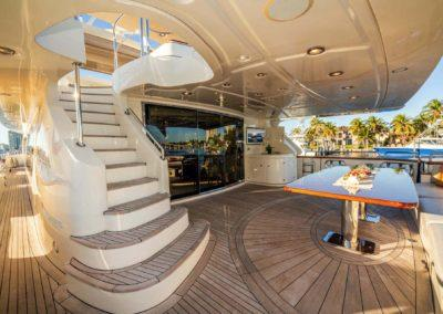 116-Azimut-Vivere-luxury-yacht-charter-55