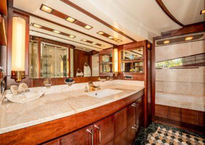 116-Azimut-Vivere-luxury-yacht-charter-58