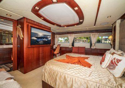 116-Azimut-Vivere-luxury-yacht-charter-63