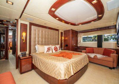 116-Azimut-Vivere-luxury-yacht-charter-64