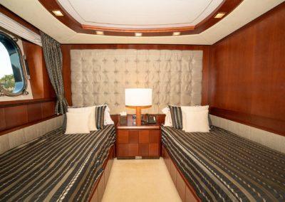 116-Azimut-Vivere-luxury-yacht-charter-9