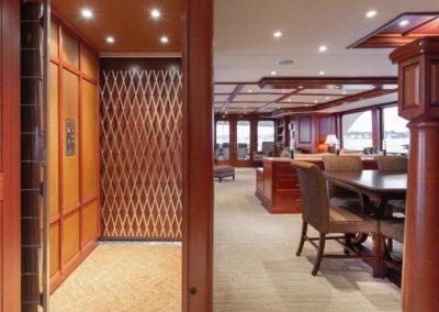 127 Burger IMPETUOUS Luxury Yacht Charter-16