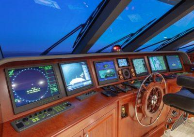 127 Burger IMPETUOUS Luxury Yacht Charter-28