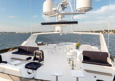 127 Burger IMPETUOUS Luxury Yacht Charter-31