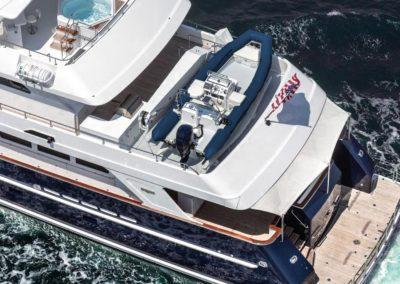127 Burger IMPETUOUS Luxury Yacht Charter-5_1