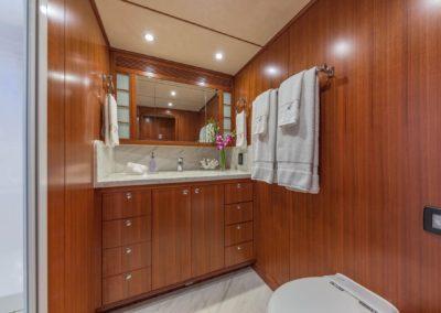 63-Nordhavn-Asturias-luxury-yacht-charter-guest-bath
