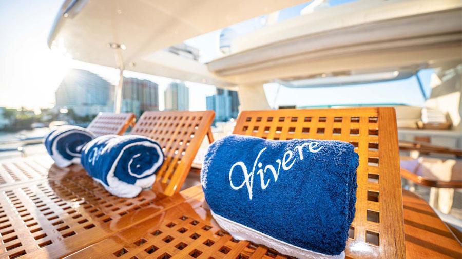 Vivere-luxury-yacht-charter-flybridge-jacuzzi-2