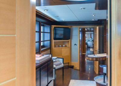 156-Delta-ROCHADE-luxury-yacht-for sale-33