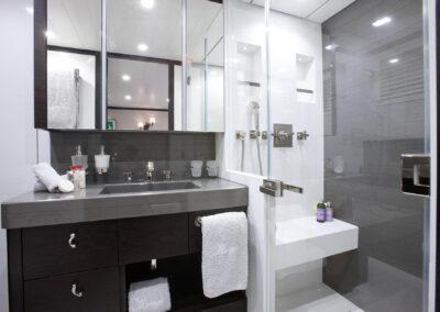 53m-Feadship-Mirage-luxury-yacht-charter-stateroom-miro-bath-1