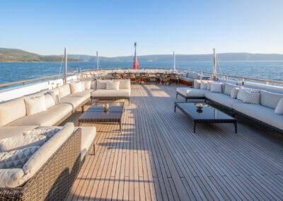 Mirage-luxury-yacht-charter-new-12