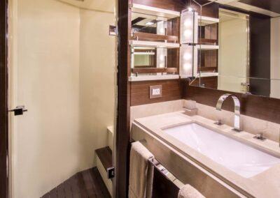 105-Azimut-Amanecer-luxury-yacht-charter-VIP-3