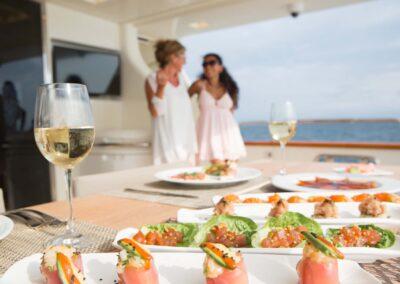 105-Azimut-Amanecer-luxury-yacht-charter-aft-deck-dining-2