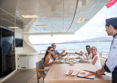 105-Azimut-Amanecer-luxury-yacht-charter-aft-deck-dining-5