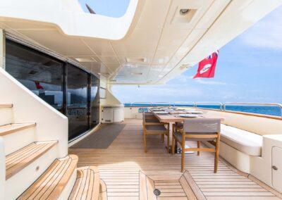 105-Azimut-Amanecer-luxury-yacht-charter-aft-deck-dining-7