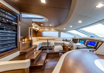 105-Azimut-Amanecer-luxury-yacht-charter-bridge-3