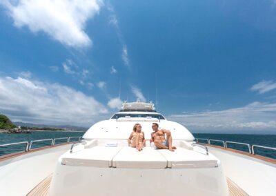 105-Azimut-Amanecer-luxury-yacht-charter-exteriors-1
