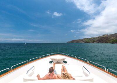 105-Azimut-Amanecer-luxury-yacht-charter-exteriors-2