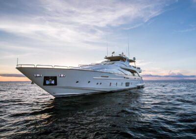 105-Azimut-Amanecer-luxury-yacht-charter-exteriors-25-CC