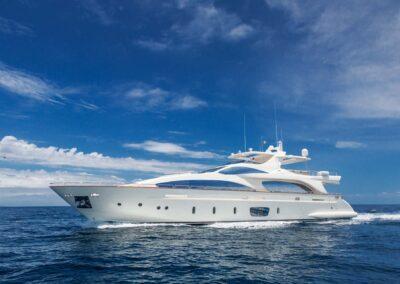 105-Azimut-Amanecer-luxury-yacht-charter-exteriors-7