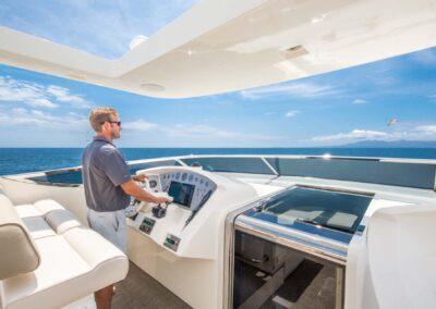 105-Azimut-Amanecer-luxury-yacht-charter-flybridge-helm