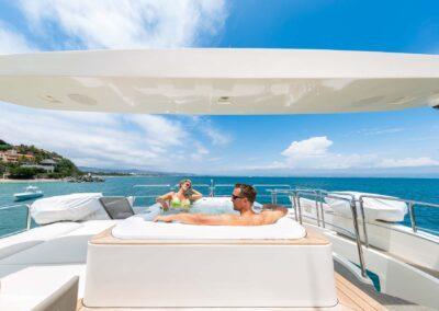 105-Azimut-Amanecer-luxury-yacht-charter-lifestyle-3