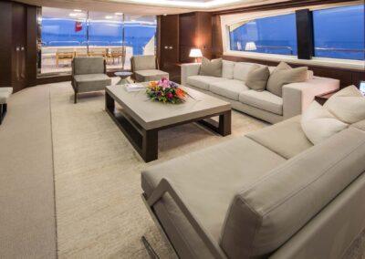 105-Azimut-Amanecer-luxury-yacht-charter-salon-4