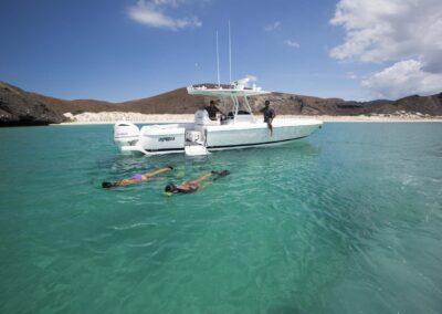 105-Azimut-Amanecer-luxury-yacht-charter-tenders-toys-14