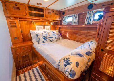 Hermie-Louise-78-little-harbor-sail-yacht-for-sale-17