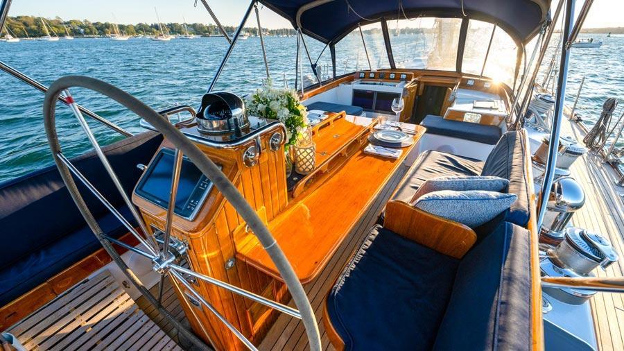 Hermie-Louise-78-little-harbor-sail-yacht-for-sale-cockpit