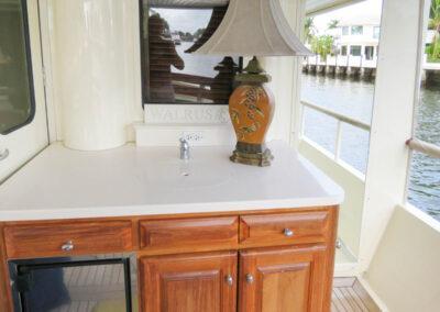 Walrus-76-custom-trawler-yacht-for-sale-bahamas-26
