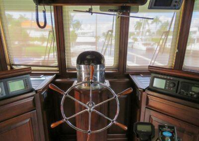 Walrus-76-custom-trawler-yacht-for-sale-bahamas-30