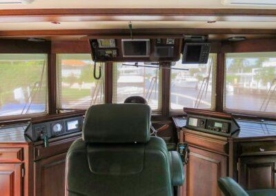 Walrus-76-custom-trawler-yacht-for-sale-bahamas-31